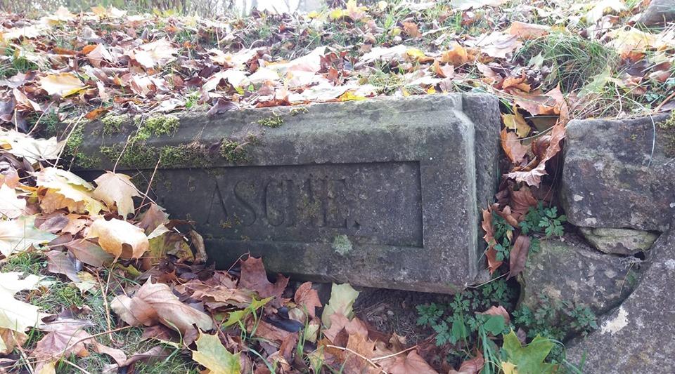Bolesławieckie nekropolie